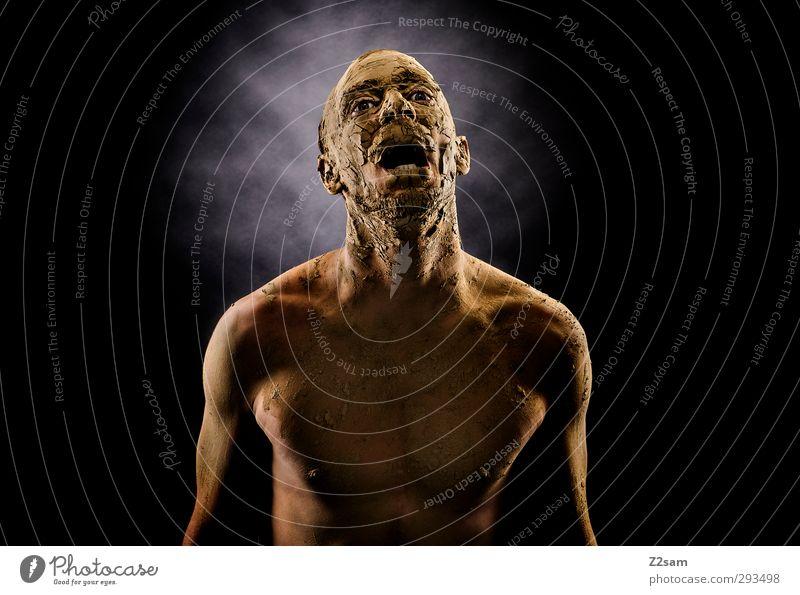Der Schrei Körper maskulin Junger Mann Jugendliche 30-45 Jahre Erwachsene Erde Sand schreien sportlich dreckig dunkel gruselig Krankheit muskulös nackt verrückt