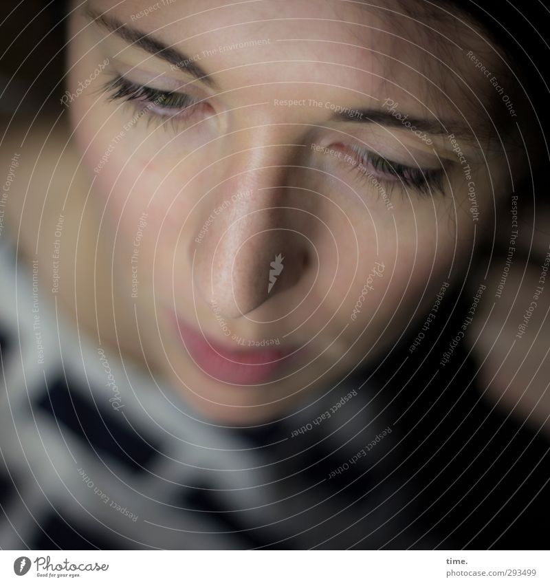 C. feminin Frau Erwachsene Kopf Gesicht Auge Nase 1 Mensch ästhetisch schön Gefühle Leidenschaft Vertrauen achtsam Wachsamkeit Vorsicht authentisch