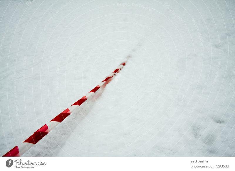 Absperrband Dekoration & Verzierung Umwelt Natur Winter Klima Klimawandel Wetter Eis Frost Schnee Verkehr Verkehrswege Verantwortung Toleranz Neugier Angst