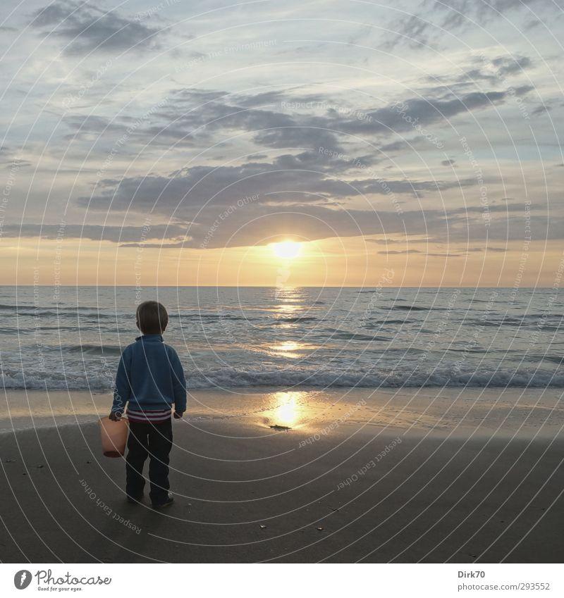 Der Sommer war sehr groß. Mensch Kind Ferien & Urlaub & Reisen Sommer Sonne Meer Strand Spielen Junge Küste Kindheit Wellen maskulin Kleinkind Sehnsucht Nordsee