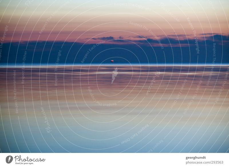 zieht vorbei wie im Flug II Umwelt Natur Landschaft Luft Wasser Himmel Wellen Küste Ostsee Meer Insel Insel Poel Schifffahrt blau violett orange rosa rot türkis
