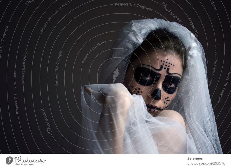 . Karneval Halloween Hochzeit Mensch feminin Frau Erwachsene Gesicht 1 Accessoire Schleier dunkel bemalt angemalt dios del los muertos Schädel Punkt Farbfoto