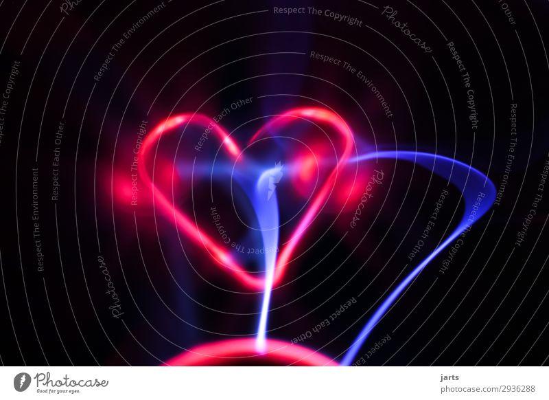 herzschlag II Technik & Technologie Wissenschaften High-Tech Energiewirtschaft Glas Herz außergewöhnlich heiß hell Kraft Liebe Plasmaglobus Blitzkugel Farbfoto