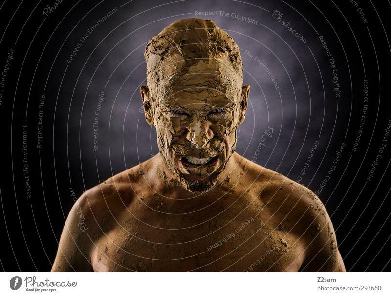 ZORN maskulin Junger Mann Jugendliche 30-45 Jahre Erwachsene Erde Sand schreien Aggression sportlich bedrohlich dreckig dunkel gruselig stark Wut Kraft