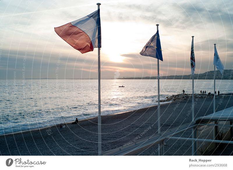 NIzza Sonnenuntergang Erholung ruhig Angeln Spaziergang Städtereise Sand Himmel Wolken Sonnenaufgang Herbst Wind Felsen Küste Meer Mittelmeer Stein Nizza