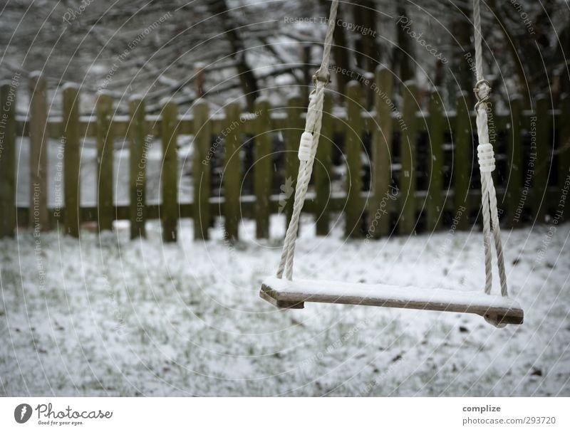Arbeitslos Freude Freizeit & Hobby Spielen Winter Schnee Wohnung Garten Spielplatz schaukeln Idylle einzigartig innovativ Inspiration Schaukel Zaun Baumstamm