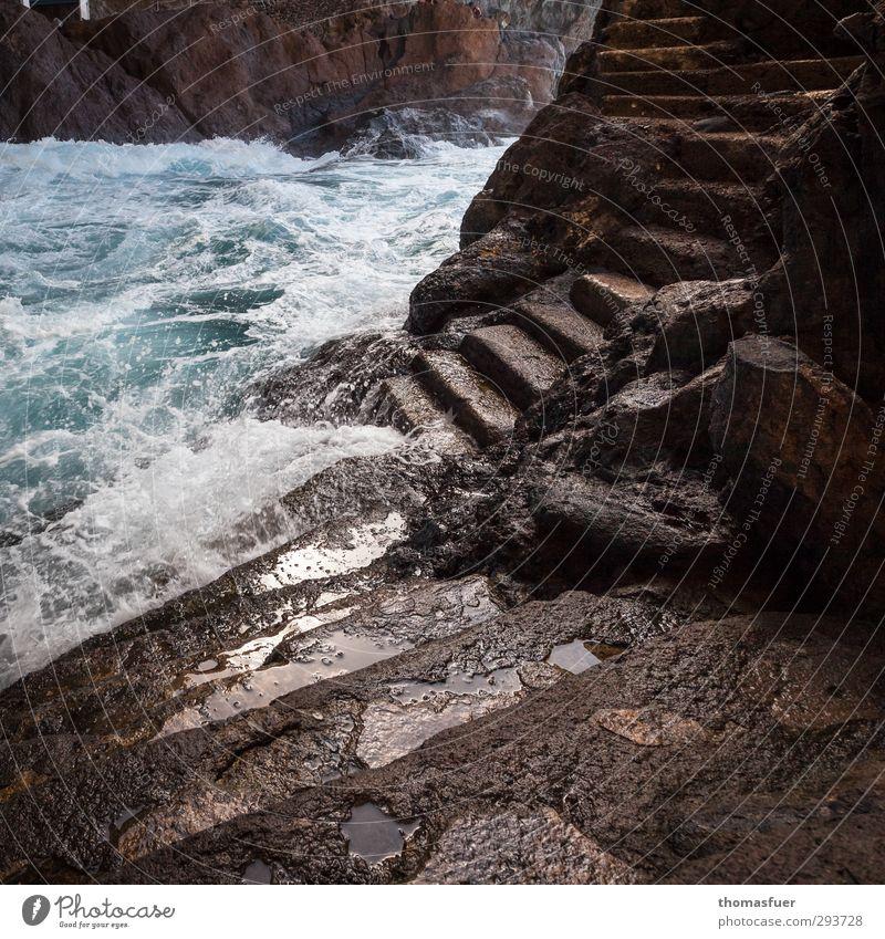 Stufen Ferien & Urlaub & Reisen Wasser Sonne Meer Ferne Bewegung Küste braun Luft Felsen Wellen Wind wild Erde Treppe Insel