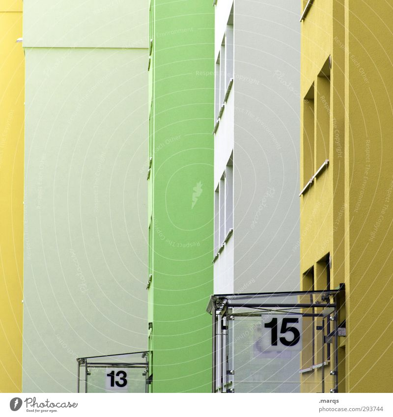 13|15 Haus Gebäude Architektur Fassade Fenster Hauseingang Ziffern & Zahlen Häusliches Leben Stadt gelb grün Farbe Ordnung Perspektive Hausnummer