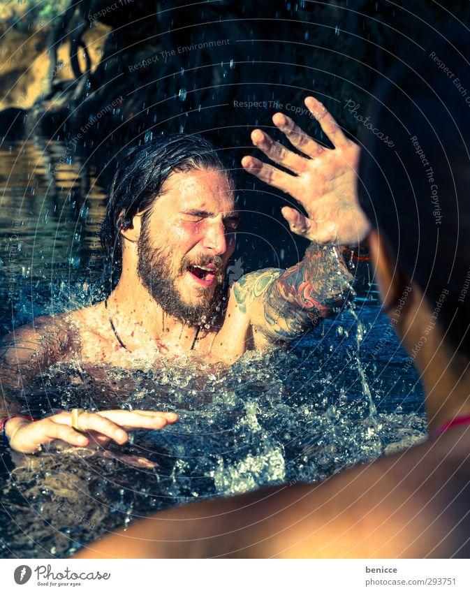 wie unfreundlich Paar paarweise Liebespaar Ehepaar Mann Frau Wasser Sommer Schwimmen & Baden Im Wasser treiben Freude lustig Humor spritzen Spielen lachen
