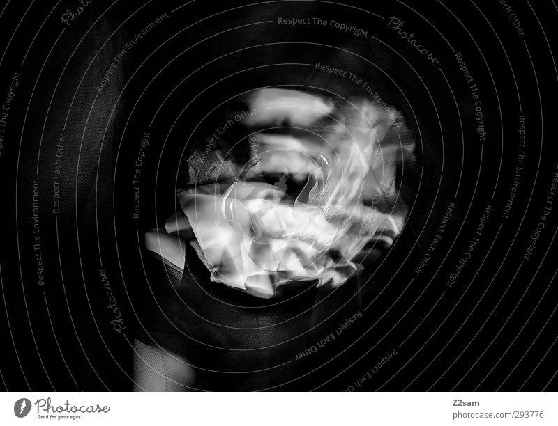 harlekin Lifestyle Stil Mensch Zirkus Show Oper Stoff dunkel elegant gruselig trashig schwarz weiß träumen bizarr geheimnisvoll Identität Schmerz skurril