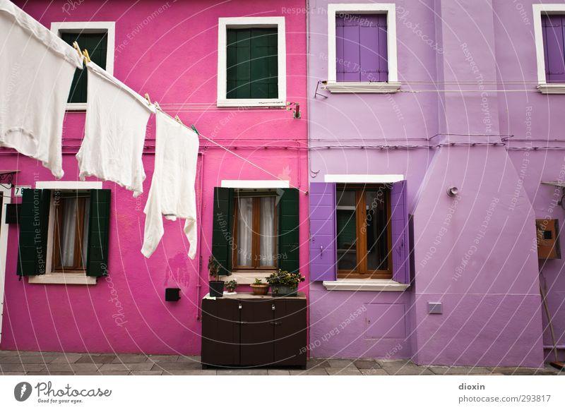 Burano -1- Ferien & Urlaub & Reisen Stadt Farbe Haus Fenster Wand Mauer rosa Fassade Tourismus Häusliches Leben Italien Dorf Wäsche Sehenswürdigkeit Wäscheleine