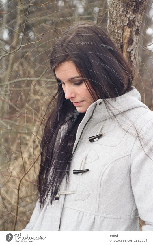 [analog portrait] I feminin Junge Frau Jugendliche 1 Mensch 18-30 Jahre Erwachsene Herbst Mantel brünett langhaarig schön Farbfoto Außenaufnahme Tag Porträt