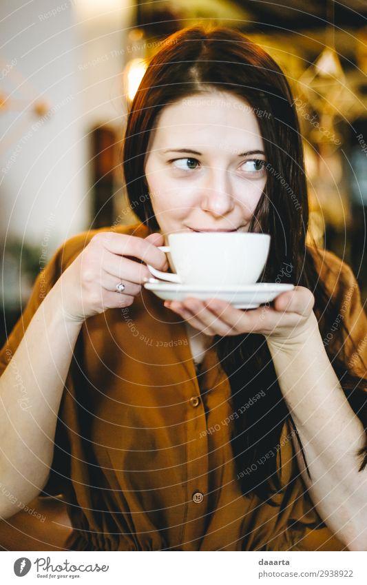 zufrieden mit dem Kaffee 4 Getränk Heißgetränk Kakao Latte Macchiato Becher Lifestyle elegant Stil Freude Leben harmonisch Freizeit & Hobby Häusliches Leben