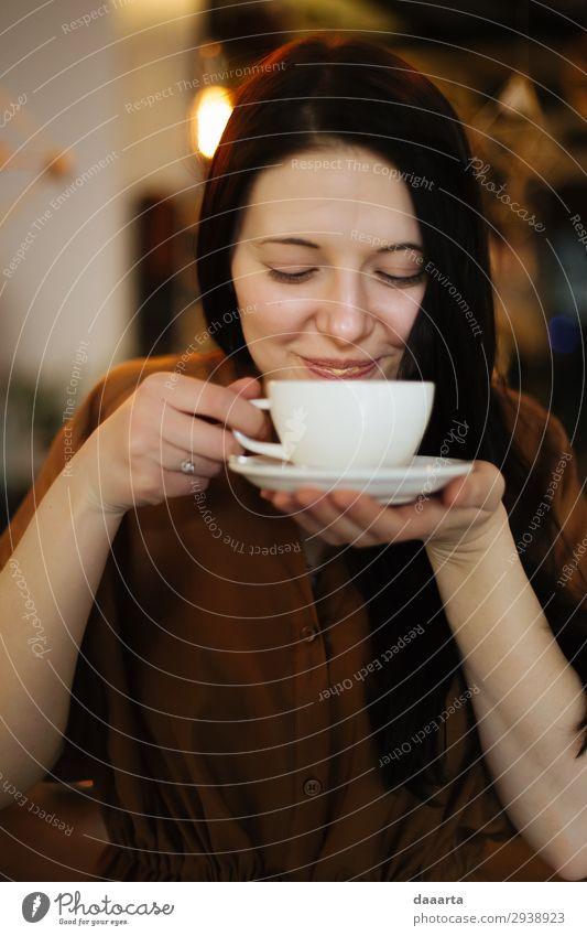 zufrieden mit dem Kaffee 6 Getränk Heißgetränk Kakao Latte Macchiato Espresso Becher Lifestyle Stil Freude Leben stimmig Freizeit & Hobby Abenteuer Freiheit