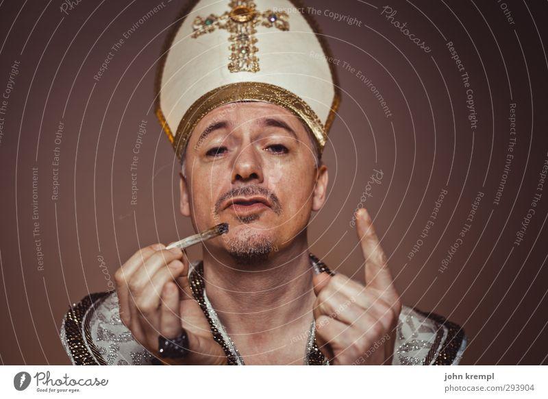Wir sind Krempl Mensch Mann Erwachsene Religion & Glaube maskulin gold 45-60 Jahre Coolness Rauchen historisch Kreuz trendy Wachsamkeit skurril Rauschmittel