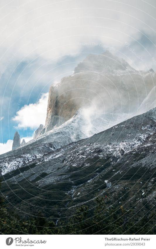 Torres del Paine - NP Umwelt Natur Landschaft blau grau schwarz weiß Wolken Berge u. Gebirge Patagonien Chile Stein Torres del Paine NP Wind unbeständig Wetter