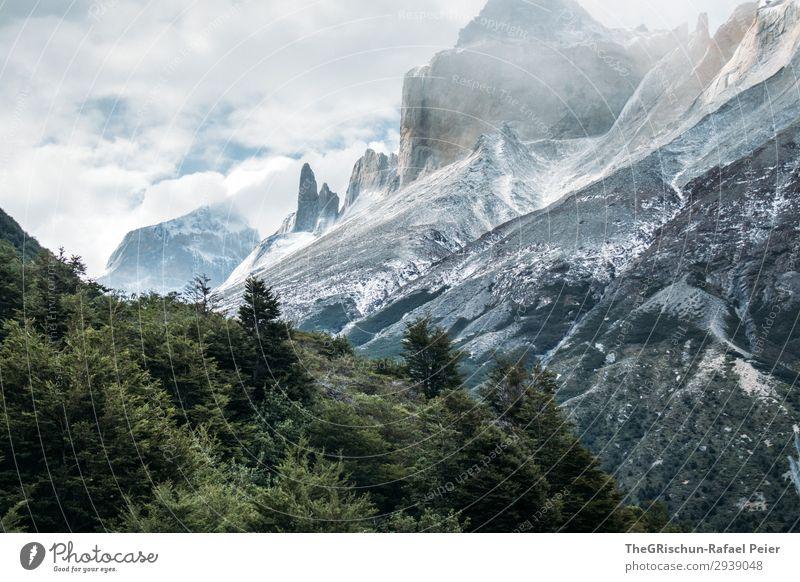 Imposante Bergwelt Umwelt Natur Landschaft blau grau schwarz weiß Patagonien Berge u. Gebirge Chile Wind Nationalpark Torres del Paine NP wandern Schnee