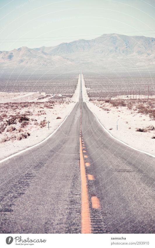 immer geradeaus Ferien & Urlaub & Reisen Tourismus Ausflug Abenteuer Ferne Sommer Hügel Berge u. Gebirge Wüste Verkehr Verkehrswege Personenverkehr