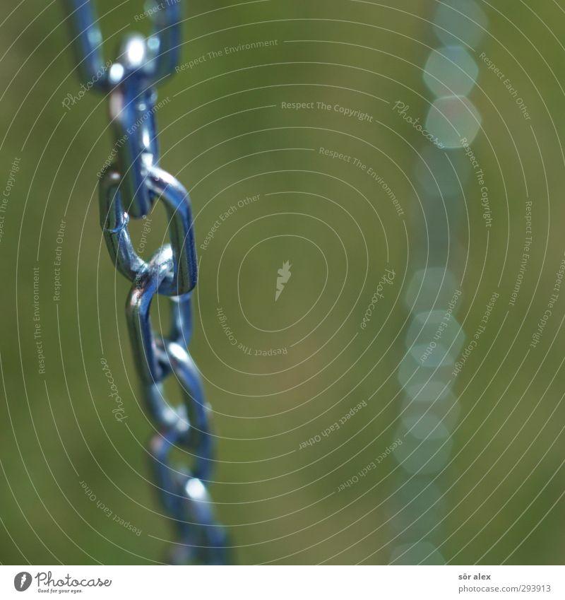 hätte-hätte...kette Kette Kettenglied Metall Stahl grün silber Sicherheit festhalten retten Verbundenheit Zusammenhalt Metallwaren Teamwork Farbfoto mehrfarbig