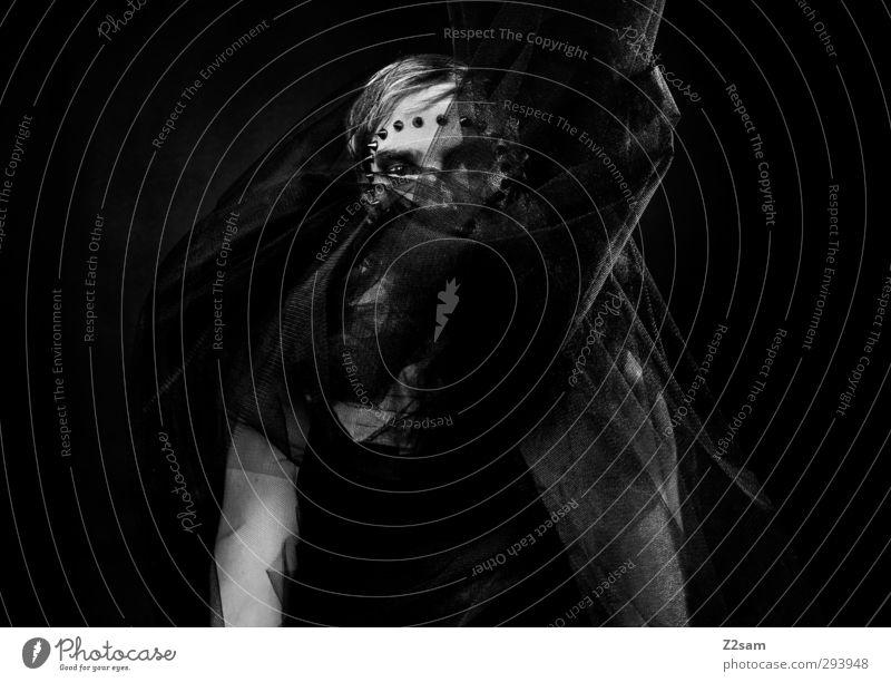 so dunkel die Nacht elegant Stil maskulin Junger Mann Jugendliche 1 Mensch 18-30 Jahre Erwachsene Skulptur Show Oper Stoff Tüll Nieten stehen Traurigkeit