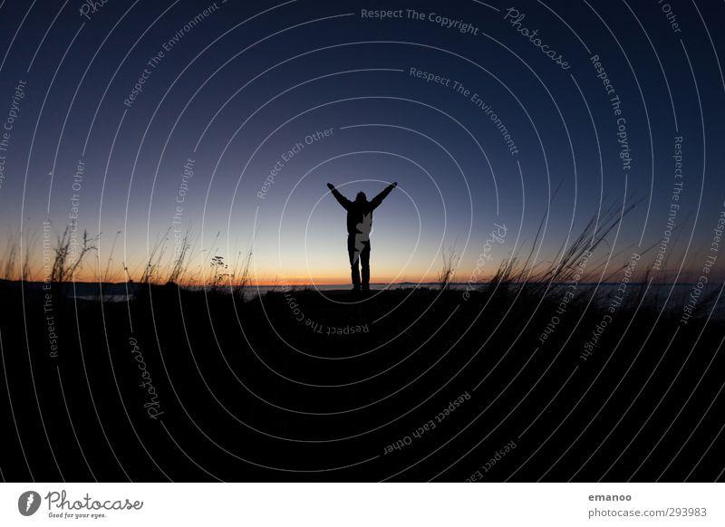 black forest happiness Mensch Himmel Natur Mann blau Ferien & Urlaub & Reisen schön Freude Einsamkeit Landschaft schwarz Erwachsene Wiese Berge u. Gebirge kalt