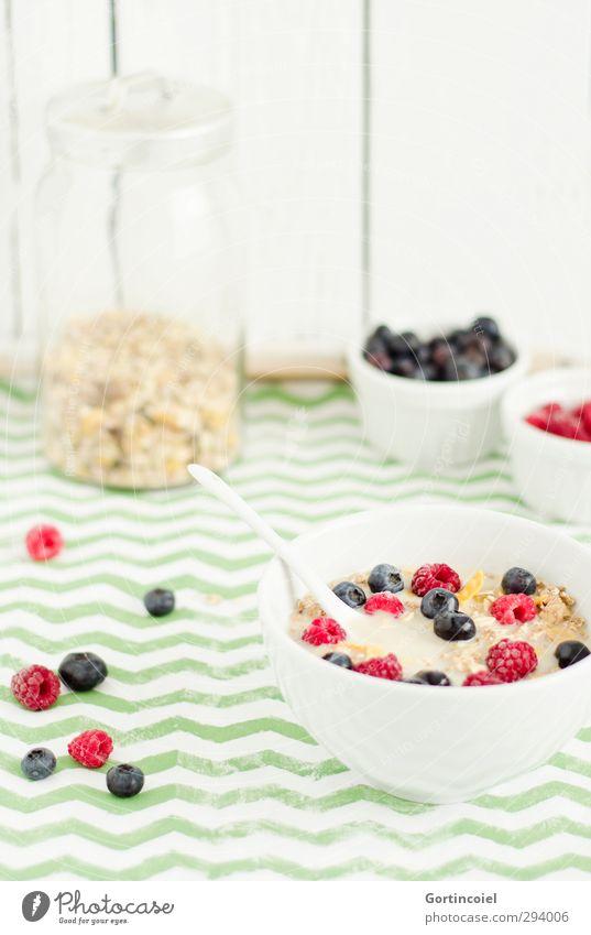 Fruchtiges Frühstück Gesundheit Lebensmittel frisch Ernährung Foodfotografie Getreide lecker Bioprodukte Beeren Schalen & Schüsseln Löffel