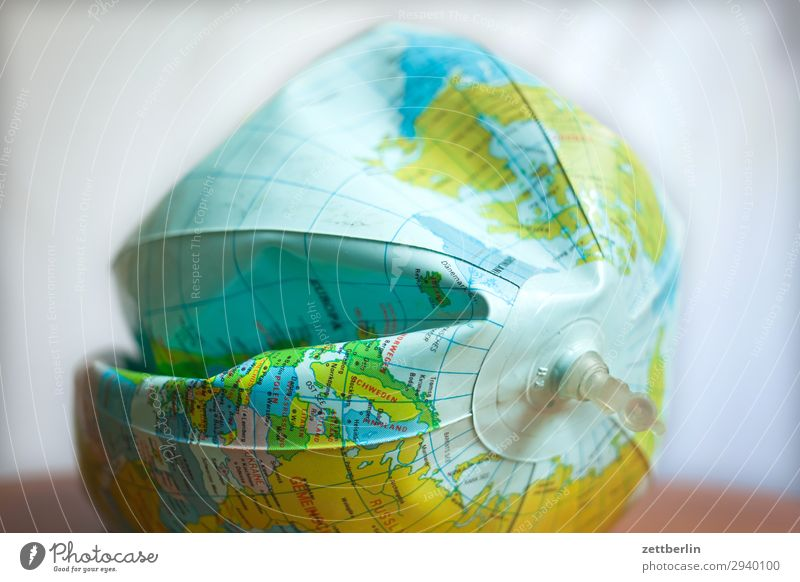 Globalisierung Mensch Umwelt Erde leer kaputt Klima Ball Umweltschutz Globus Heimat flach Umweltverschmutzung Planet Druck Kontinente platt