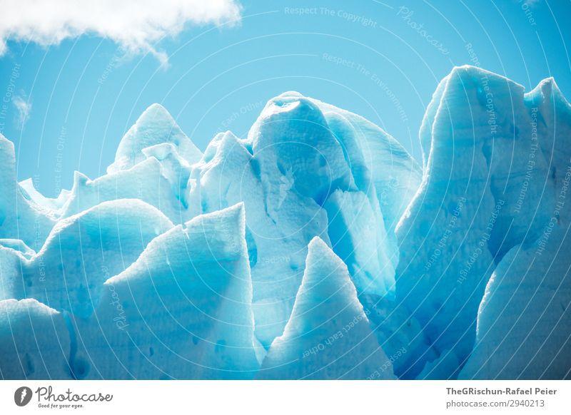 Eisskulptur Umwelt Natur blau weiß Spitze Gletscher Perito Moreno Gletscher Patagonien Eisberg Licht Schatten Muster Strukturen & Formen Wolken Blauer Himmel