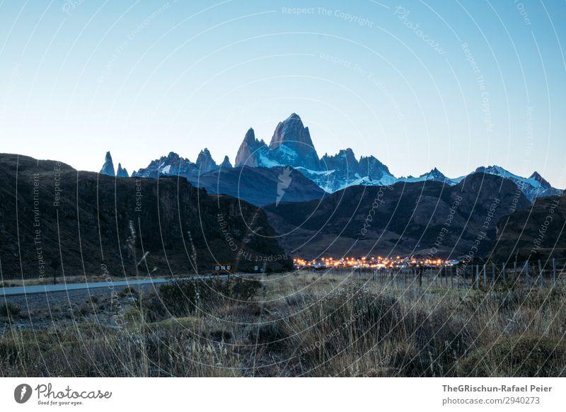 El Chaltén - Fitz Roy - Cerro Torre Natur Landschaft blau braun schwarz Licht Dorf Tourismus Berge u. Gebirge Patagonien Bekanntheit Schnee Stimmung dunkel