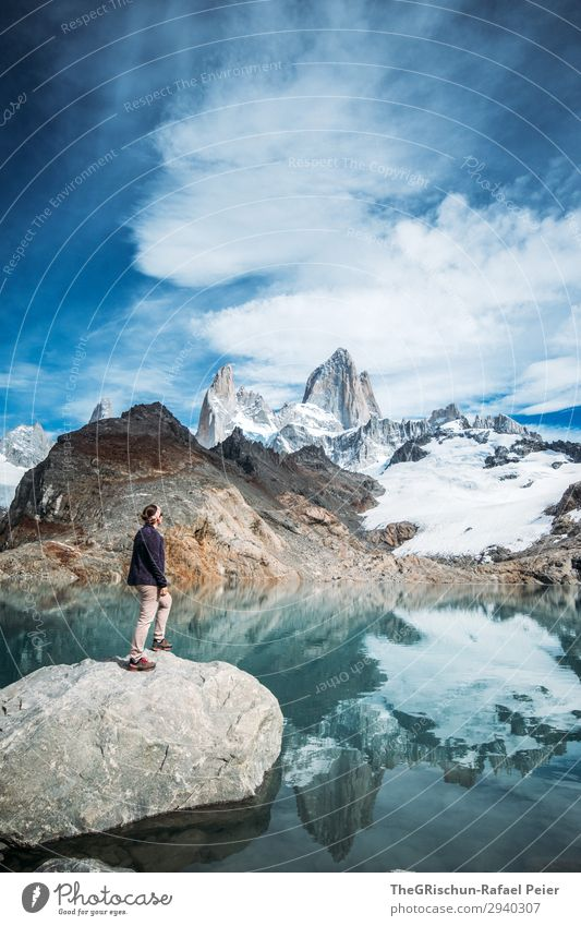 Fitz Roy - Laguna de los tres Natur blau türkis weiß Berge u. Gebirge Lagune See kalt Reflexion & Spiegelung Frau Körperhaltung Klettern Schnee fantastisch