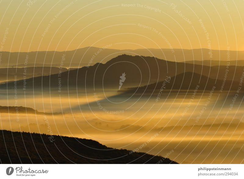 Sonnenaufgang In Der Vorderrhön Freizeit & Hobby Berge u. Gebirge Natur Landschaft Horizont Sonnenuntergang Sonnenlicht Schönes Wetter Nebel Mittelgebirge Rhön