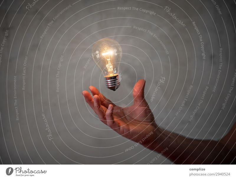 Die Besten Ideen hat man im Halbschlaf Hand Lifestyle sprechen Feste & Feiern Business Lampe Arbeit & Erwerbstätigkeit Häusliches Leben Design Wohnung