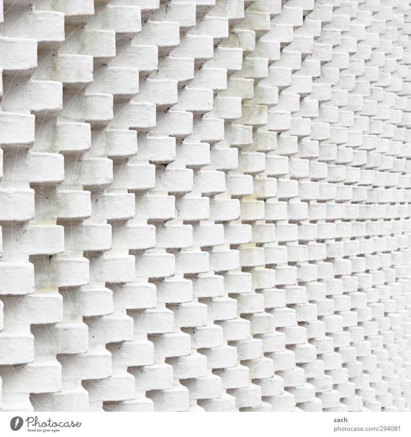 Schatten | in Stein gemeißelt Stadt weiß Haus Wand Architektur Mauer Gebäude Linie Fassade Beton eckig Symmetrie Industrieanlage