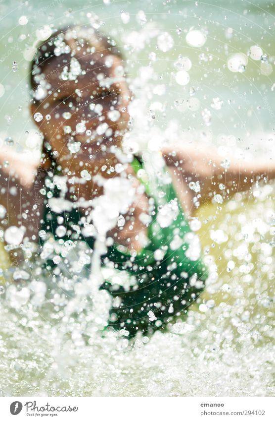 watergirl Mensch Frau Ferien & Urlaub & Reisen grün Wasser Freude Erholung Erwachsene Gesicht Leben lachen Gefühle Bewegung See Stil Schwimmen & Baden