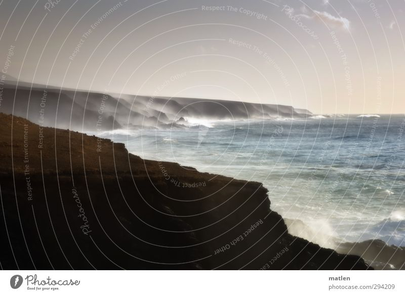 Gischt Landschaft Erde Wasser Himmel Wolkenloser Himmel Horizont Winter Schönes Wetter Wind Sturm Felsen Berge u. Gebirge Wellen Küste Bucht Riff Meer