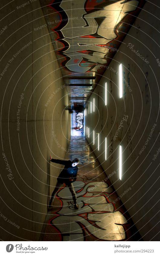 im berg 1 Mensch Stadt Tunnel stehen Graffiti Unterführung Zigarette verkehrt verdreht warten Zentralperspektive Subkultur Farbfoto Gedeckte Farben