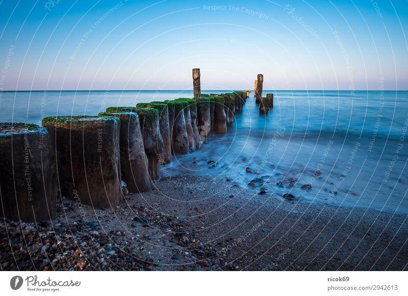 Strand an der Ostseeküste bei Graal Müritz Erholung Ferien & Urlaub & Reisen Tourismus Meer Wellen Umwelt Natur Landschaft Wasser Wolkenloser Himmel Klima