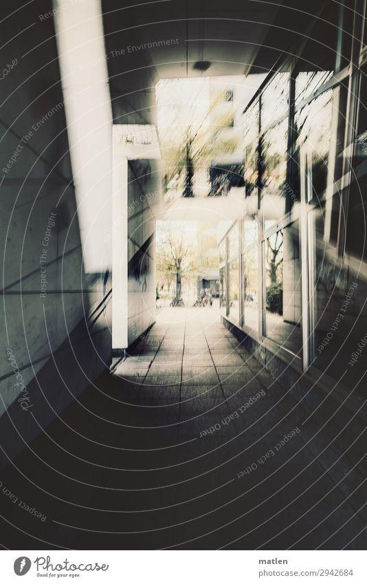 stadtlich Stadt Menschenleer Hochhaus Gebäude Architektur Mauer Wand Fassade Fenster dunkel eckig braun grau Durchgang Glas Beton Doppelbelichtung Heftpflaster