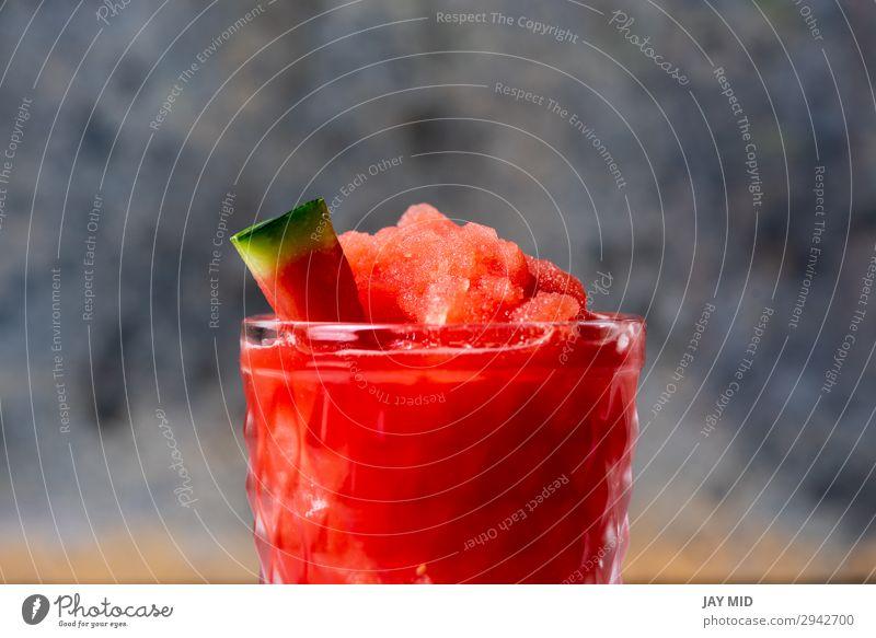 Gefrorene Wassermelone Daiquiri Lebensmittel Frucht Bioprodukte Erfrischungsgetränk Saft Alkohol Sommer rot weiß daiquiri Cocktail gefroren Rum heimwärts