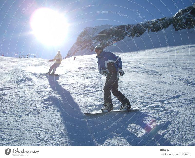 Kaprun@Noon Sonne Schnee Sport Freizeit & Hobby Schönes Wetter Alpen Kurve abwärts Gletscher Skigebiet Schwung Snowboard Winterurlaub Skipiste Snowboarding schwungvoll