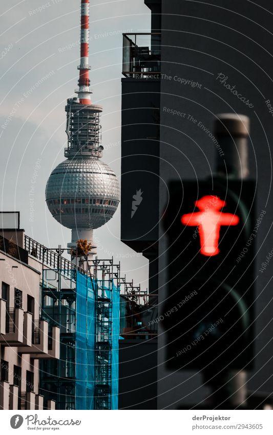 Nichts läuft in Berlin Ferien & Urlaub & Reisen rot Ferne Straße Architektur Gebäude Tourismus Freiheit Ausflug Verkehr Abenteuer Beginn Sehenswürdigkeit