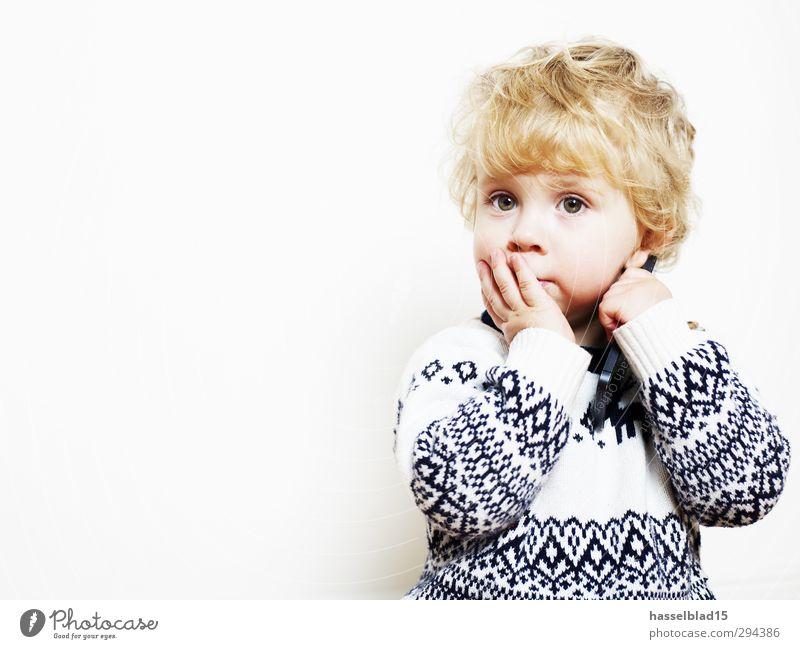 Maxe II Mensch Kind Freude ruhig Spielen Junge Glück Denken Gesundheit träumen maskulin Freizeit & Hobby nachdenklich Kindheit Baby Mund