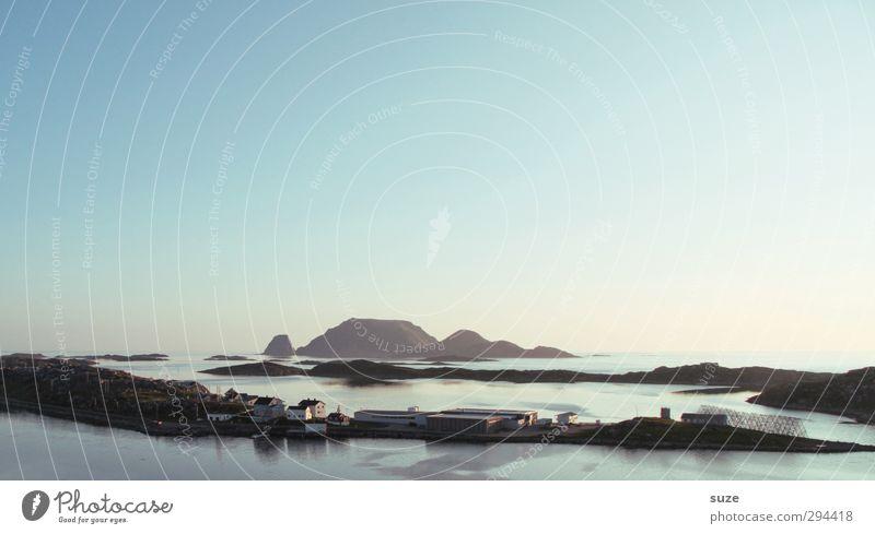 Kühler Abend Himmel Natur Ferien & Urlaub & Reisen Wasser Meer Einsamkeit Landschaft ruhig Haus Umwelt Ferne Berge u. Gebirge kalt Freiheit Küste Luft