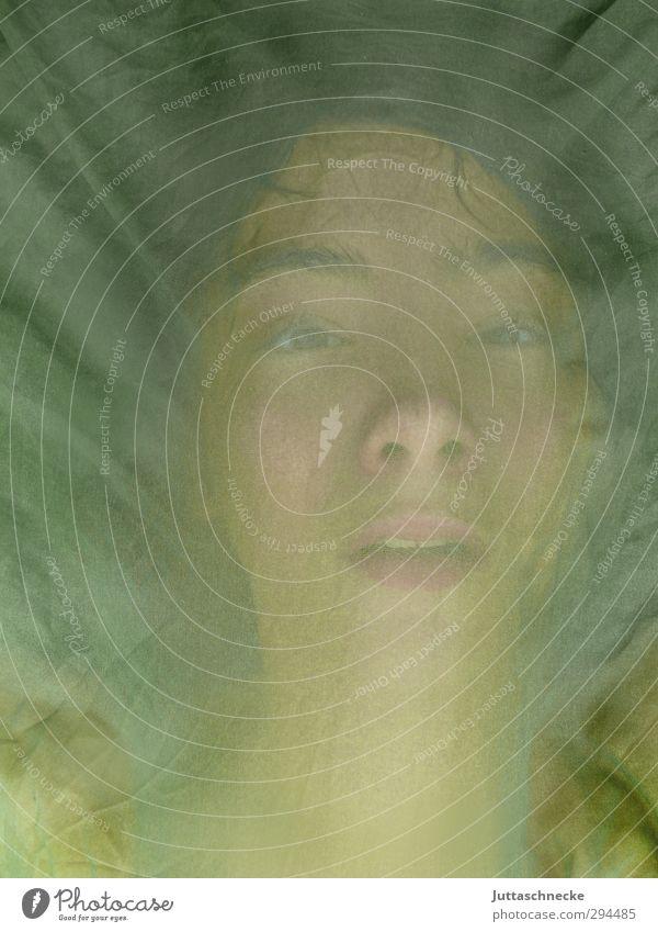 Pur Mensch Kind Jugendliche grün nackt Gesicht Auge dunkel Junge Kopf träumen natürlich Haut maskulin authentisch Mund