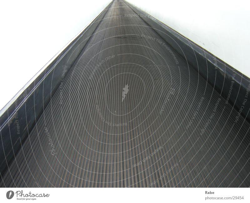 Impressionen der Drupa D'dorf 2004 Laufband Rolltreppe Tunnel Elektrisches Gerät Technik & Technologie