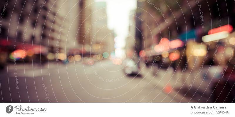 the street 2 New York City Stadt Stadtzentrum Straße Fahrzeug leuchten mehrfarbig Licht Neonlicht Werbung Gedeckte Farben Außenaufnahme Menschenleer