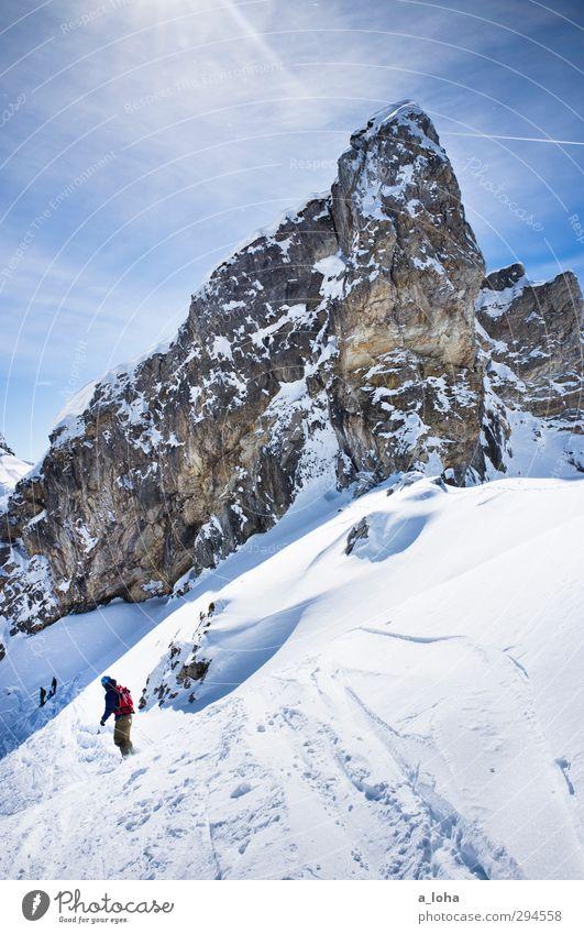better days Mensch Himmel Natur Einsamkeit Landschaft Wolken Ferne Winter kalt Berge u. Gebirge Umwelt Wege & Pfade Schnee Sport Lifestyle Menschengruppe