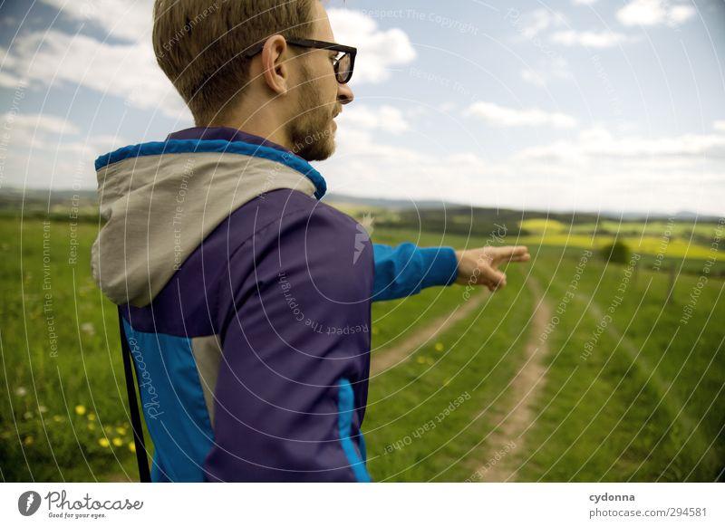 Richtung Frühling Mensch Himmel Natur Jugendliche Ferien & Urlaub & Reisen Landschaft Erwachsene Ferne Wiese Junger Mann Leben Bewegung Wege & Pfade Freiheit