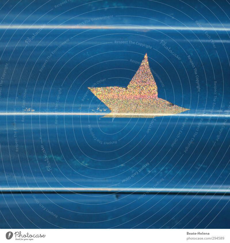 so richtig in die Kurve legen ... Stil Design Häusliches Leben Wellen Dach Stern (Symbol) Gold Zeichen glänzend Freundlichkeit oben blau Stimmung Wellblechwand