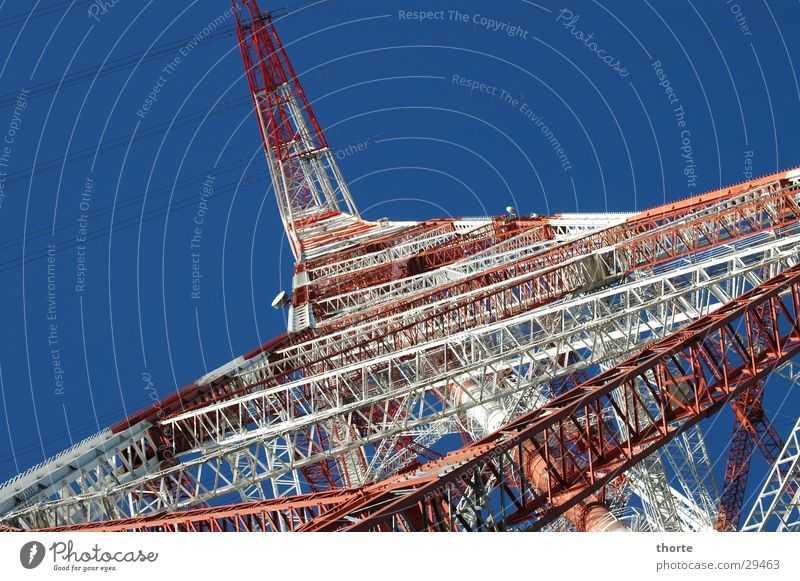 Hochspannung Elektrizität rot weiß Gitter Elektrisches Gerät Technik & Technologie Norden blau Himmel Metall